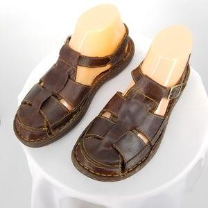 Born Closed Toe Women's Fisherman Sandals 9